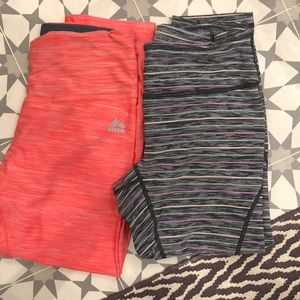 2 pairs of workout crop leggings